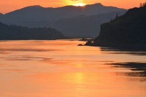Columbia Riverの夕焼け - Mosierより-9046