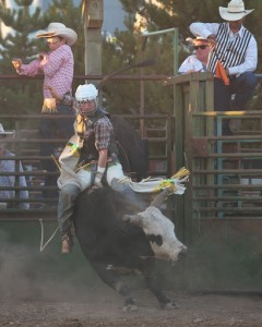 McMinnville Rodeo-Bull Riding-4722