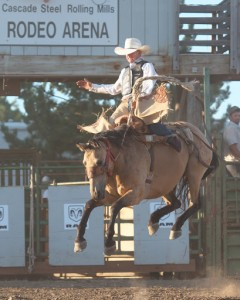 McMinnville Rodeo-Saddle Bronc Riding-4401