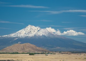 Mt Shasta - I-5沿いより-5724-A4