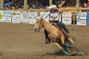spray-rodeo-barrel-racing-5060_27416039621_o
